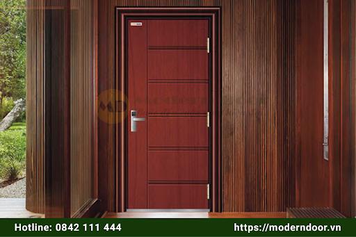 Cửa gỗ chống thép cũng được cân nhắc lựa chọn