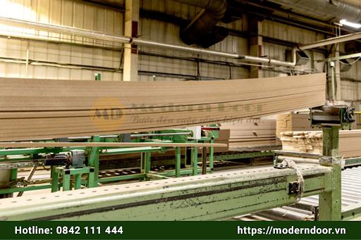 Cửa gỗ xuất khẩu làm từ gỗ HDF và MDF