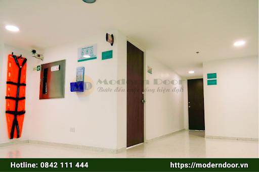 Cửa văn phòng Abs mẫu 3