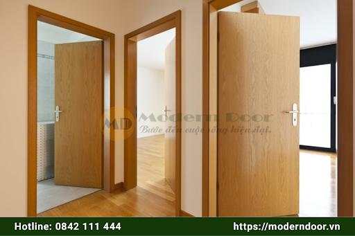 Mẫu cửa gỗ An Cường màu nâu gỗ đẹp tự nhiên