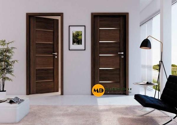 Mẫu cửa phòng ngủ bằng gỗ phong cách tân cổ điển