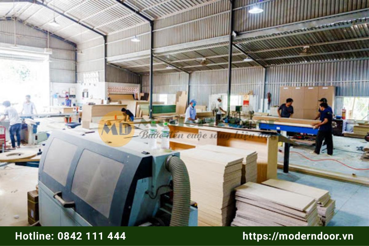 sản xuất cửa gỗ công nghiệp
