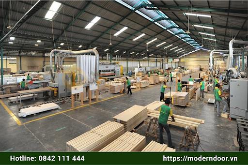 Quy trình sản xuất cửa gỗ cao cấp xuất khẩu đạt chuẩn